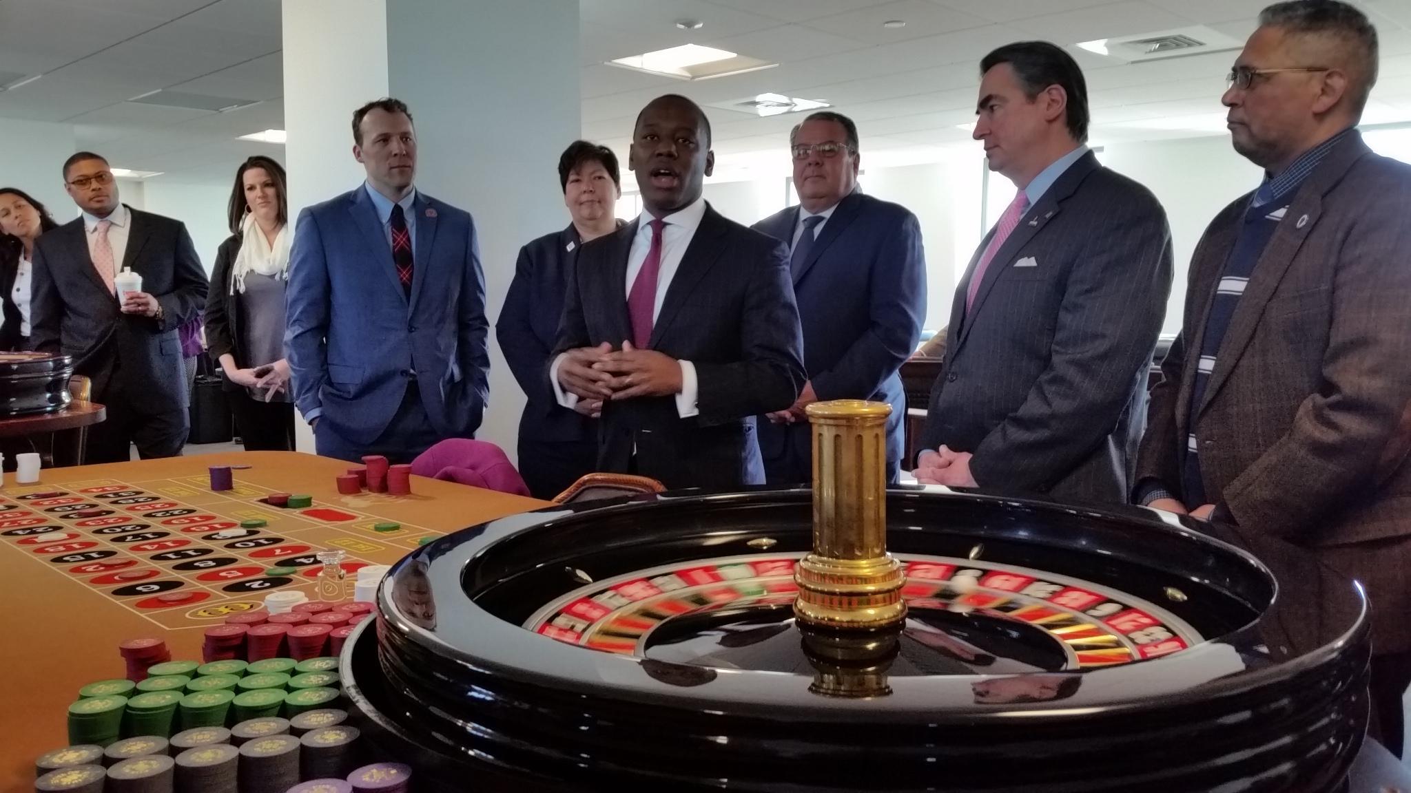 massachusetts casino table games