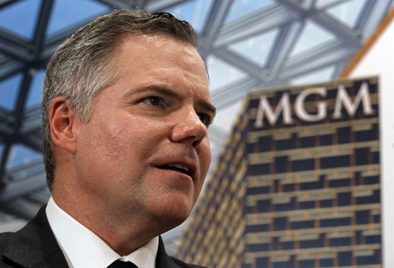Jim Murren's MGM to raise resorts fees