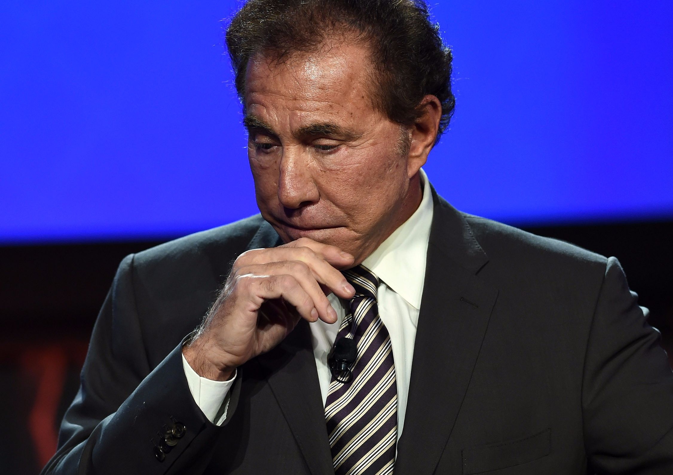 Steve Wynn to sell shares in Wynn Resorts