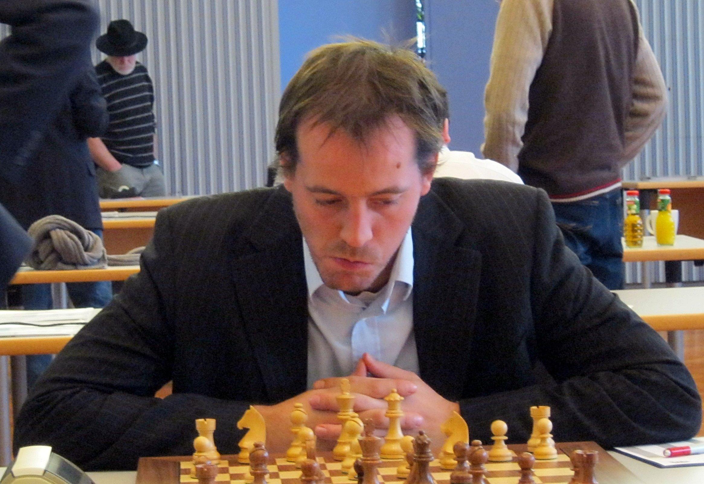 Francisco Vallejo Pons poker tax