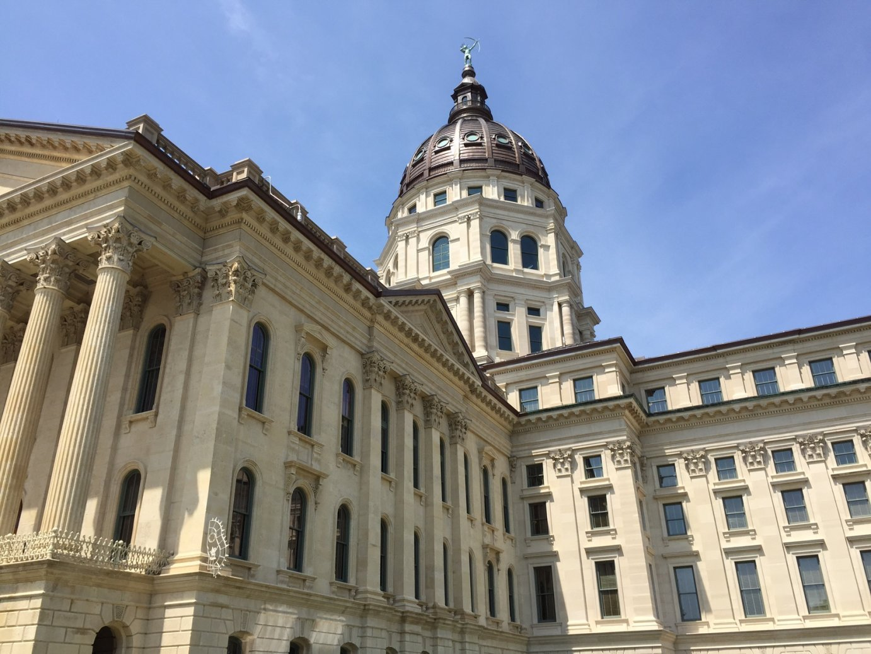 Kansas horseracing bill dies in Senate