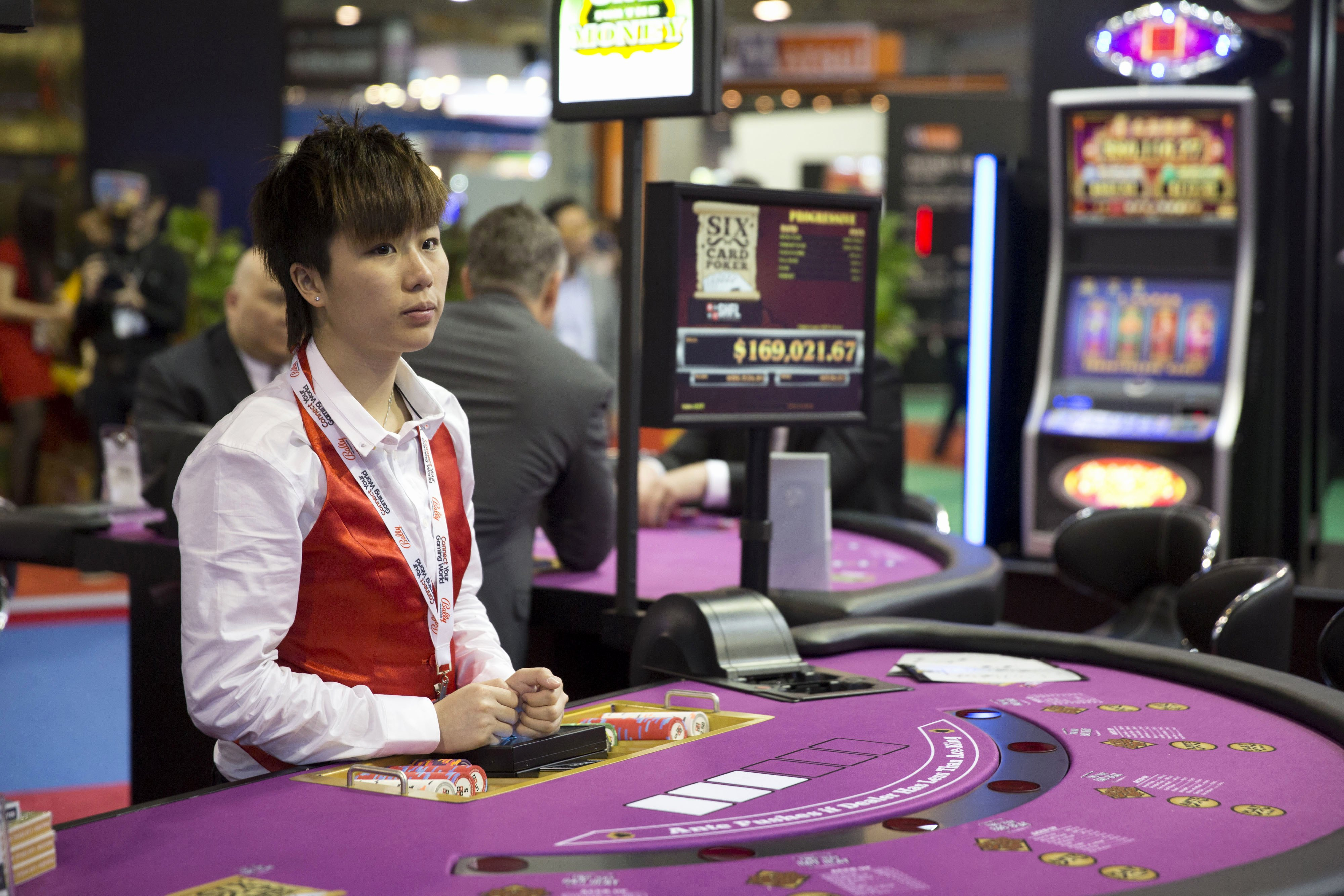 Macau Casino Employees Less Satisfied in Workplace