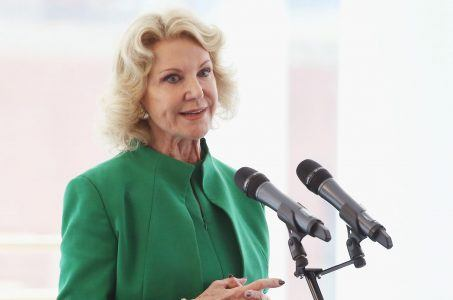 Elaine Wynn Gains an Edge in Bid to Oust Jay Hagenbuch
