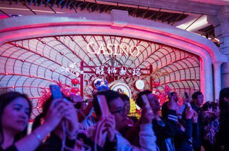 Macau casinos gaming revenue
