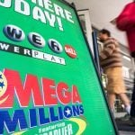 Lottery Hysteria Continues in US, Powerball Hits Estimated $750M