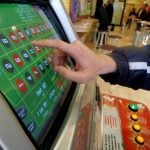 UK Lawmakers Angry Over Plan to Delay £2 FOBT Betting Limits Until October 2019