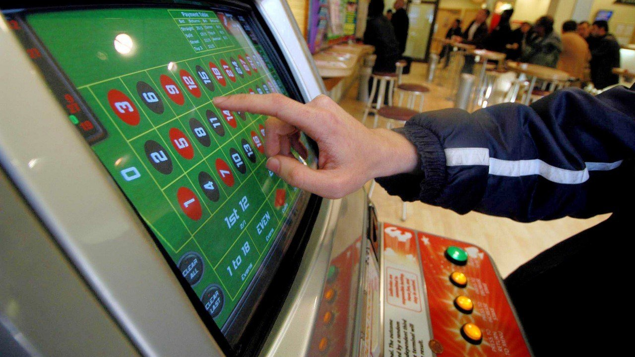FOBT betting limits delay