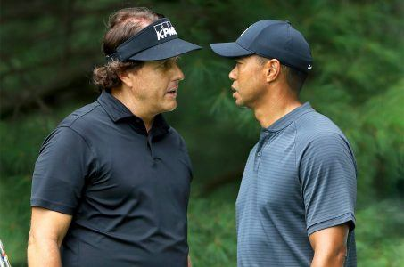 Tiger Woods Phil Mickelson match odds
