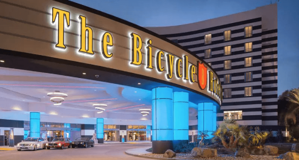 California tribes fight card clubs over banked games