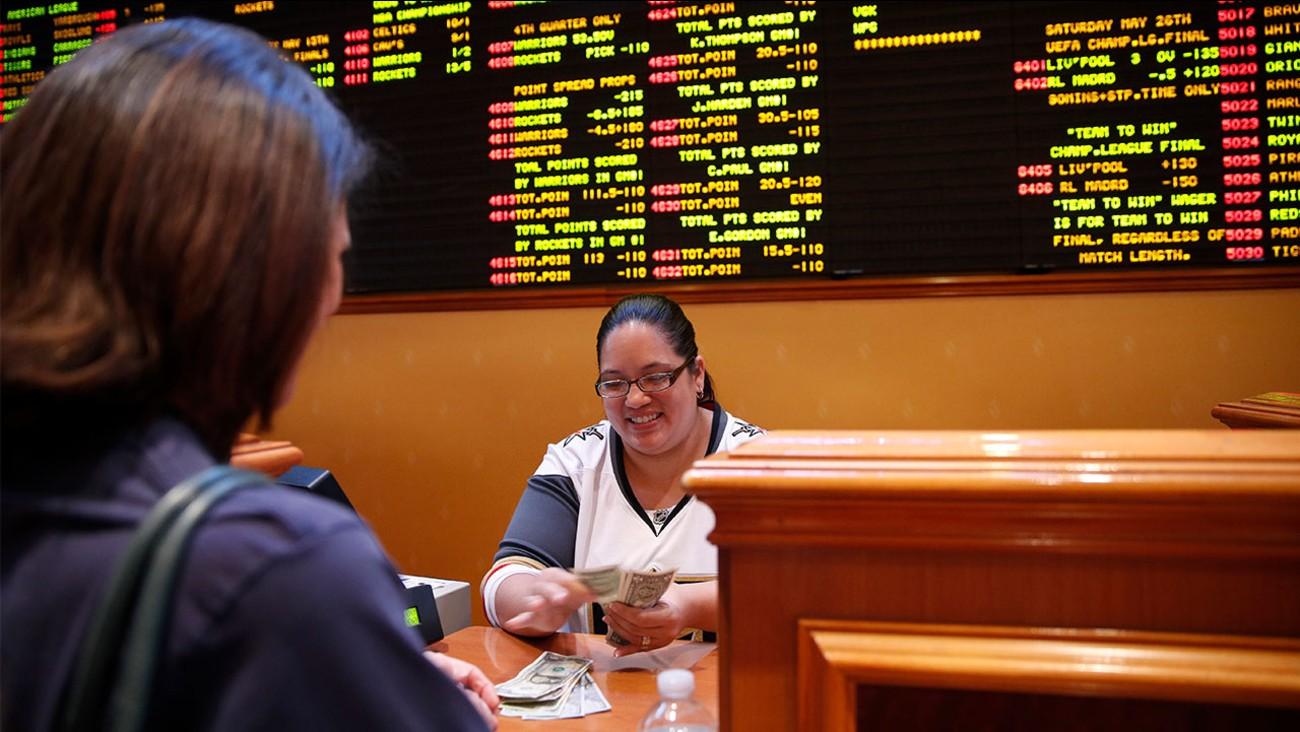 Hollywood Casino sports betting Pennsylvania