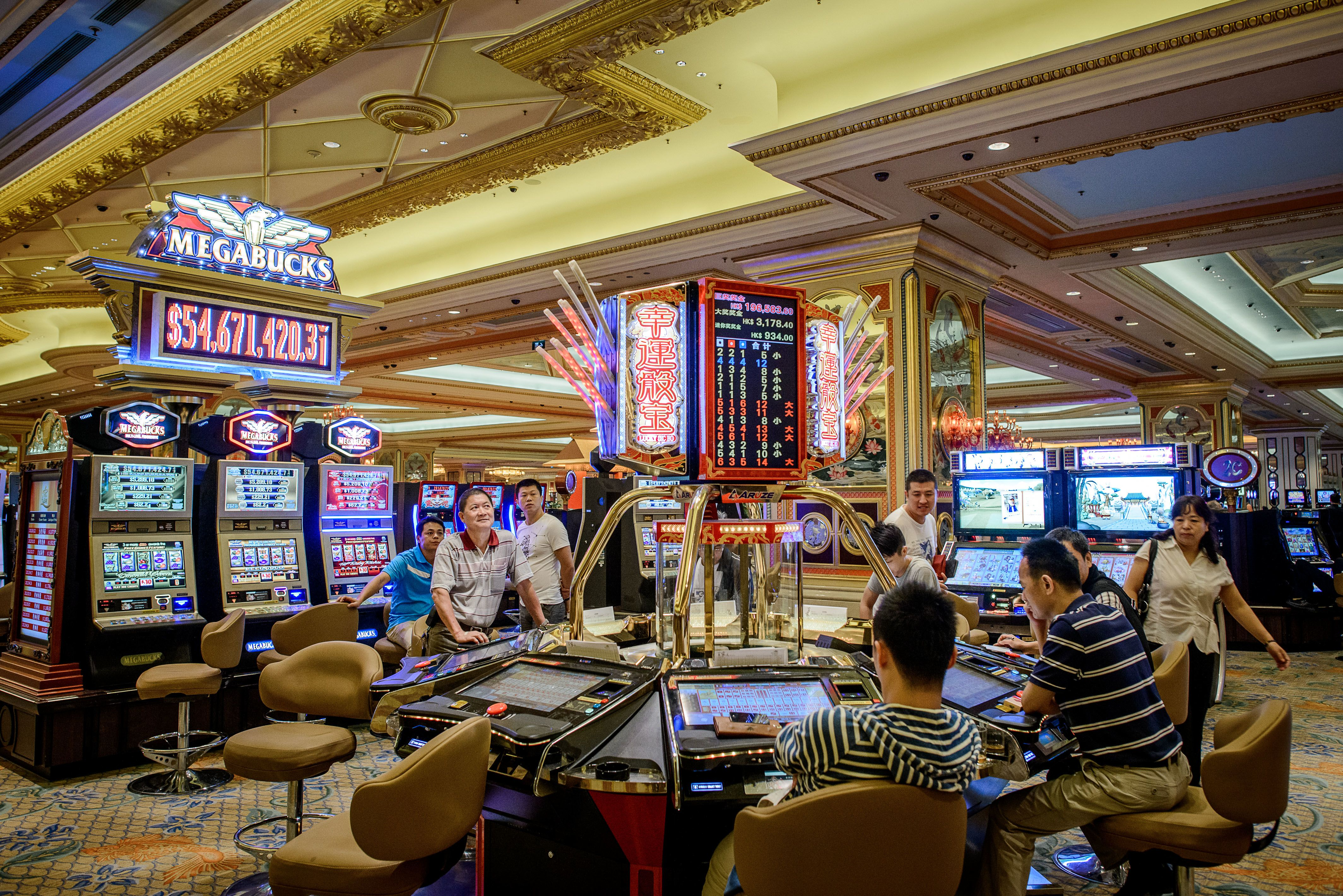 Macau casino smoking