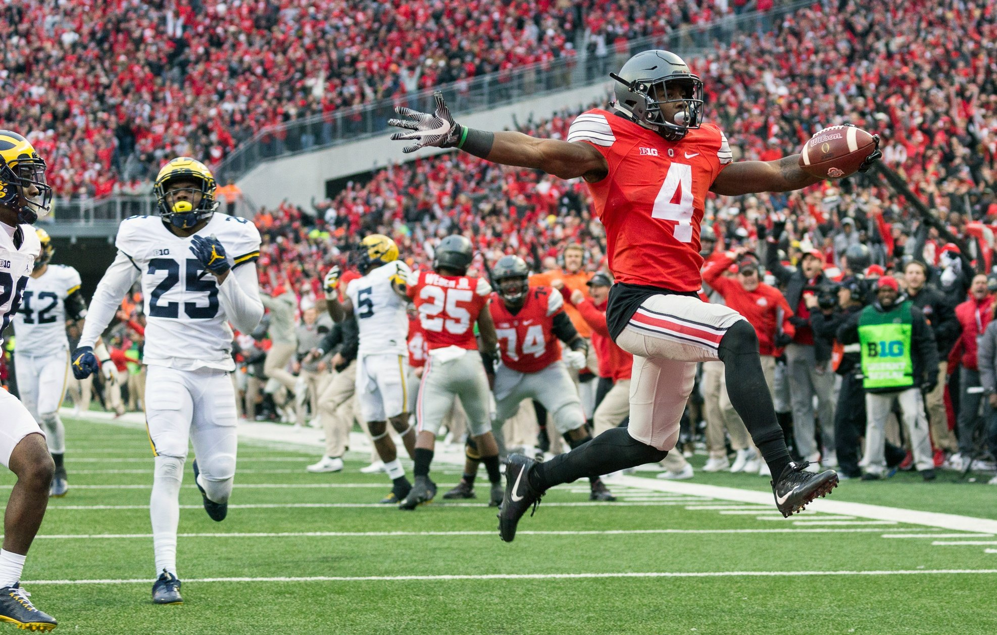 No. 10 Ohio State Underdog in Rivalry Game Against No. 4 ...