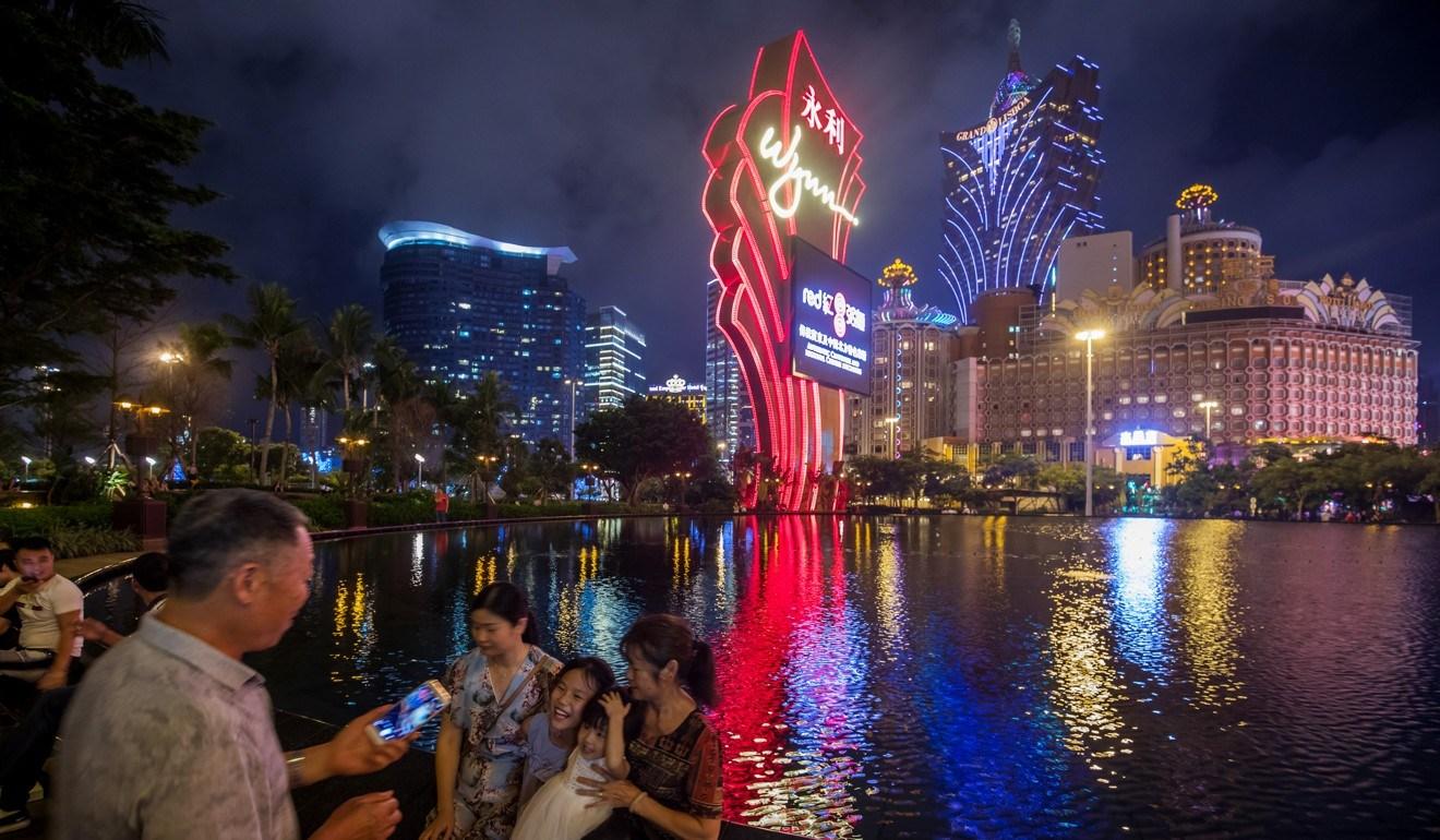 Macau casinos gambling revenue 2018