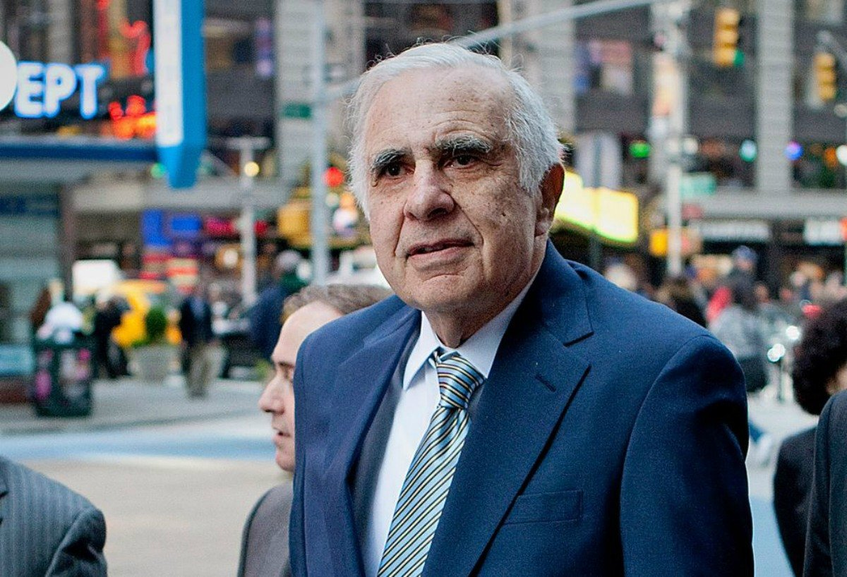 Caesars Entertainment stock Carl Icahn