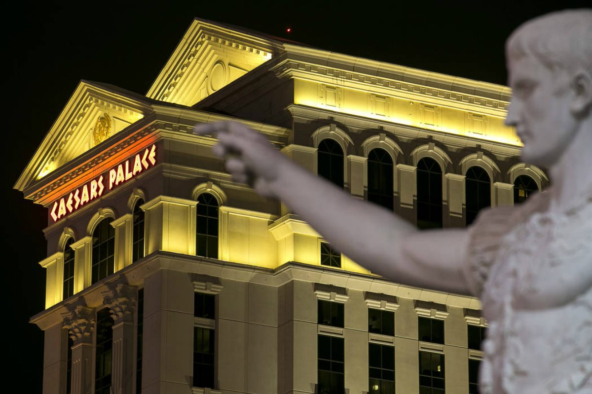 Caesars Entertainment stock casino revenue