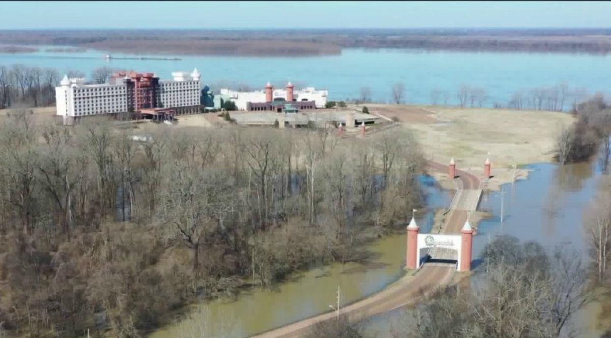 Tunica casino Fitz Mississippi River