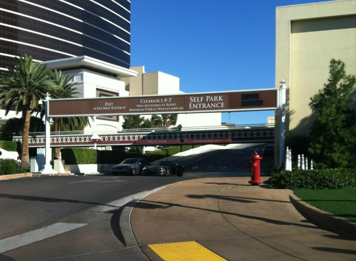 Wynn Resorts Restores Free Parking for All Las Vegas Guests