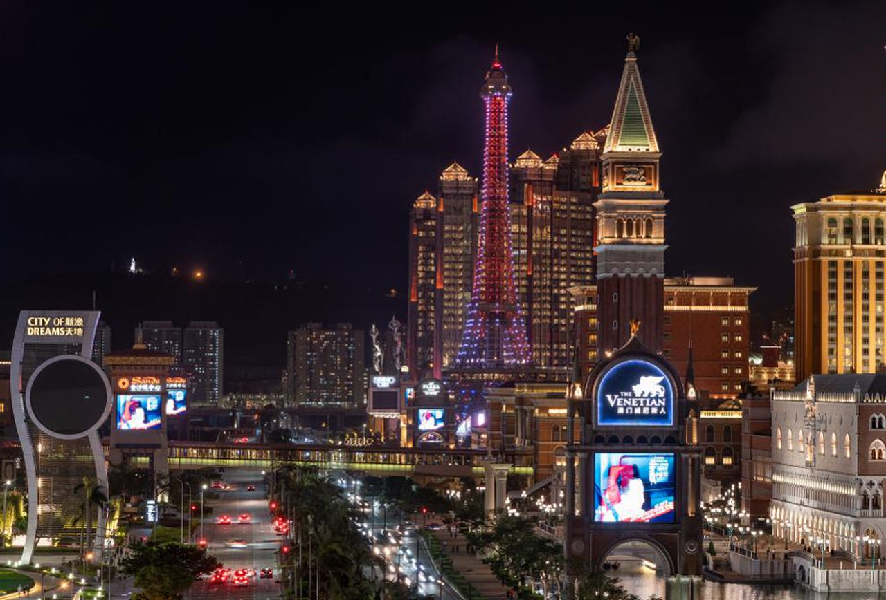 Macau casinos gross gaming revenue