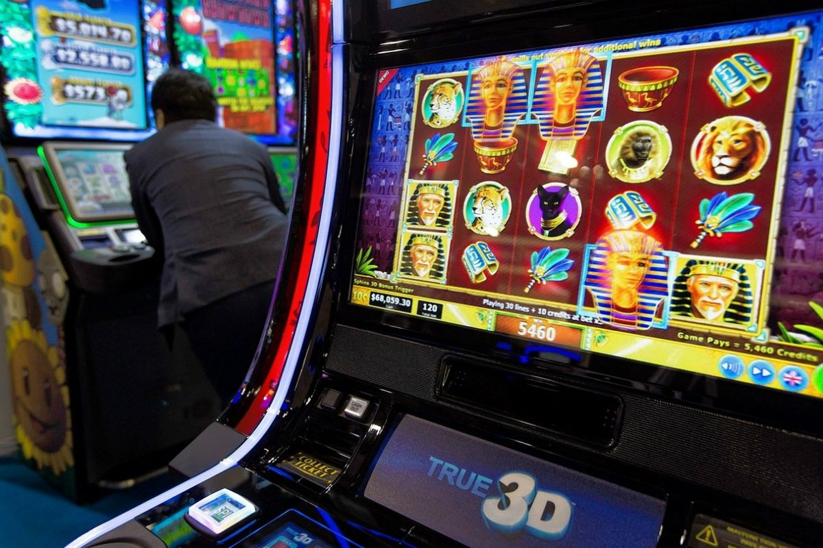 Twin River Casino Parent Says IGT Slot Machines 'Are the Worst'