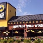 MGM Resorts, Buffalo Wild Wings Partnership Will Have Patrons Feasting on Burgers, Brews, And Bets