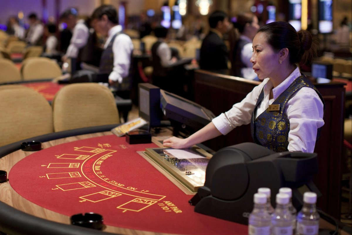 Macau casino workers gaming dealer