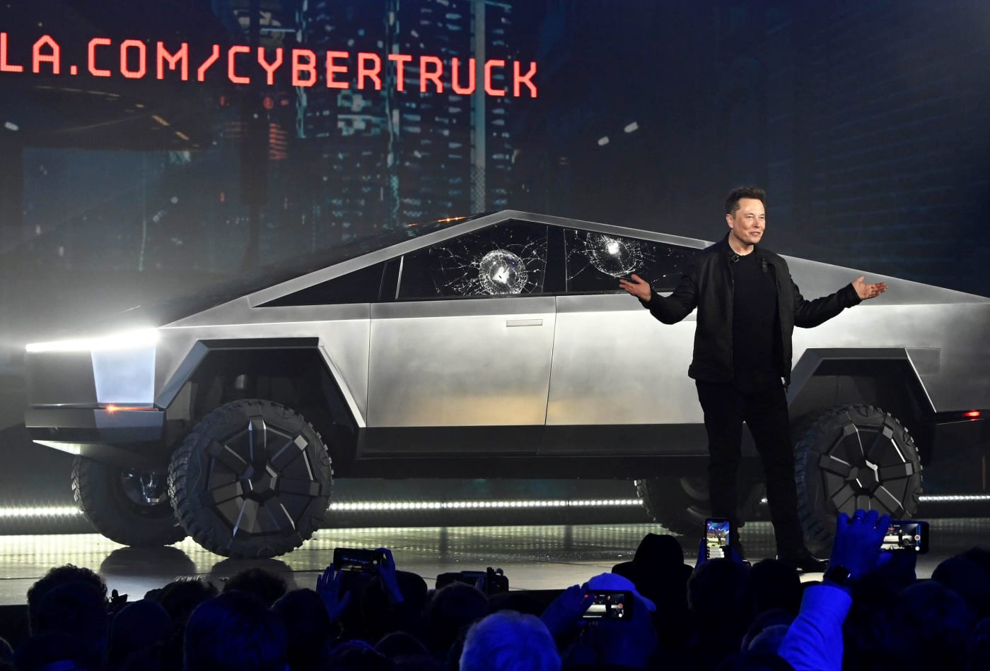 Ford F 150 Favored To Beat Tesla Truck In Strength Rematch