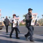 Las Vegas Expects 322,000 Thanksgiving Visitors – Workers Picket Airport