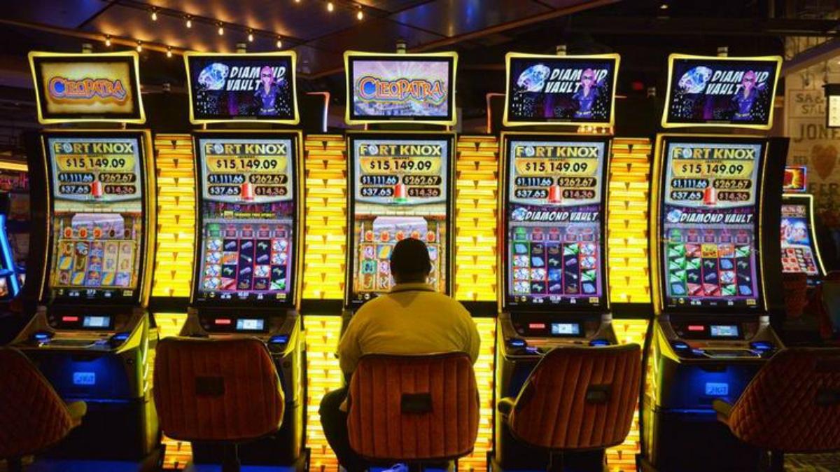 MGM Springfield casino GGR