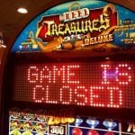 Four Queens, Binions Back Up After Slots Outage, Other Systems Affected at Downtown Vegas Casinos