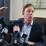 Connecticut Tribes Threaten Governor's Plan to Split Sports Betting Among Contenders
