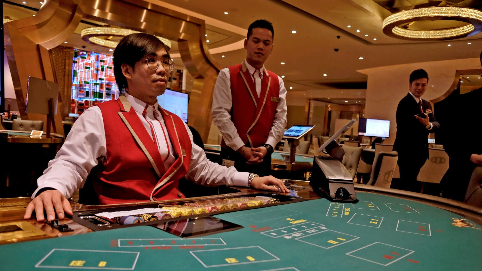 Fitch Says Macau Too Dependent On Gaming