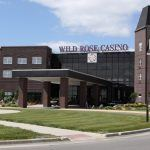 Most Iowa Casinos Reopen, But Table Games Closed at Some Venues