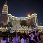Las Vegas Sands, Wynn Pop as China Will Restart Some Macau Visa Issuance