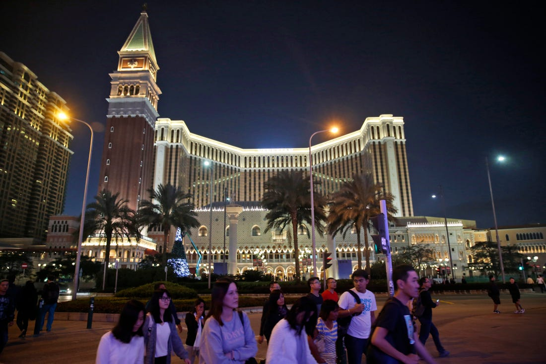 Las Vegas Sands, Wynn Rise On China News
