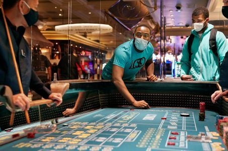 More Casinos Limit Guests to Wear Only Surgical or Cloth Masks