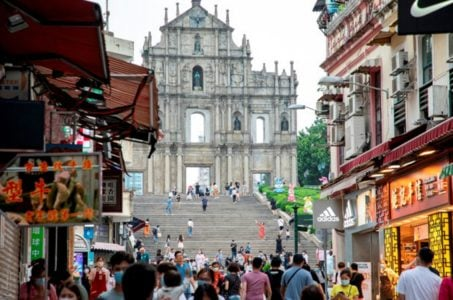 Macau casino visitor arrivals GGR