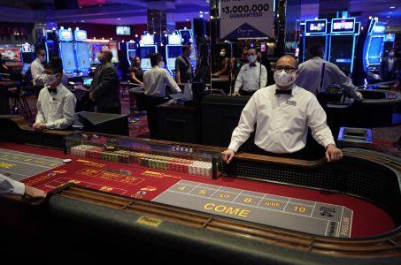 Nov 23, · Back to all.Nevada Casinos, Workers at Risk Under Sisolak's Tougher Coronavirus Restrictions.November 23,