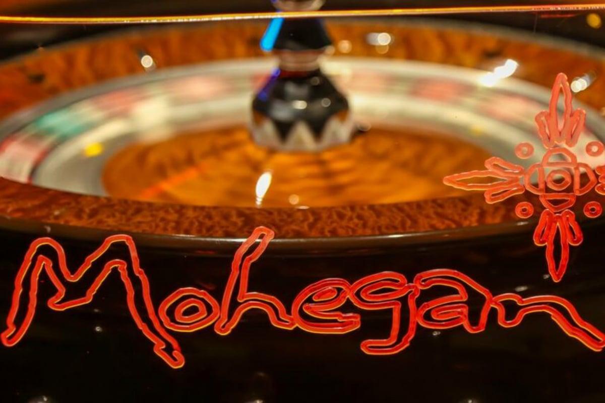 Connecticut casinos Mohegan Sun Foxwoods
