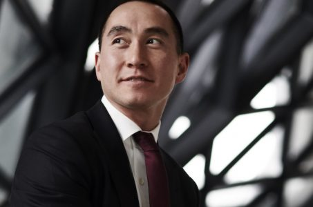 Melco Resorts stock Lawrence Ho