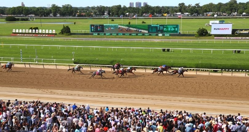 New York horse racing fans