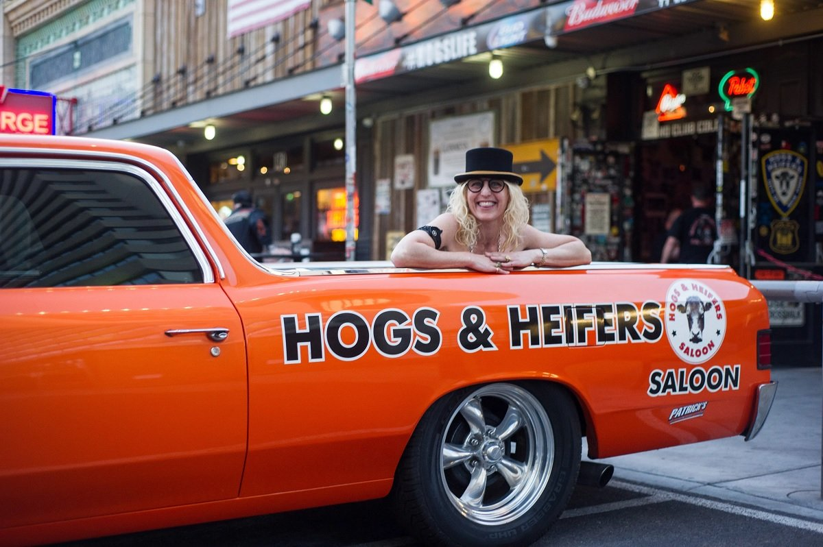 Hogs & Heifers