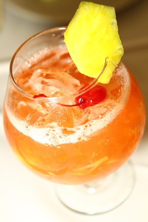Like we weren't going to talk about the cocktails? Please. This is the Rum Runner.