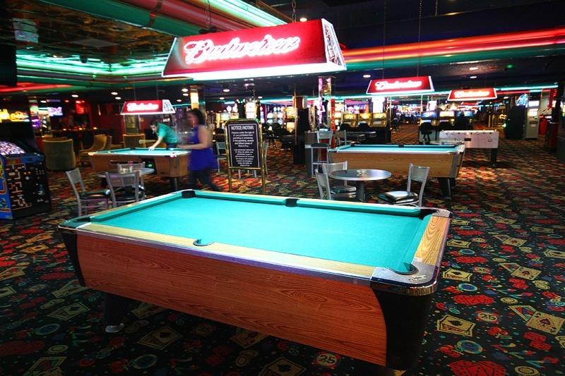 It's a casino! No, it's a den!