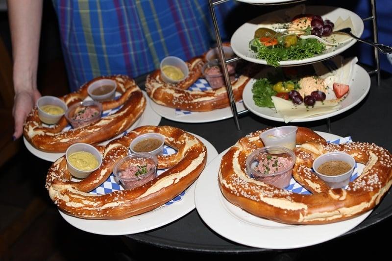 Hofbrauhaus pretzels