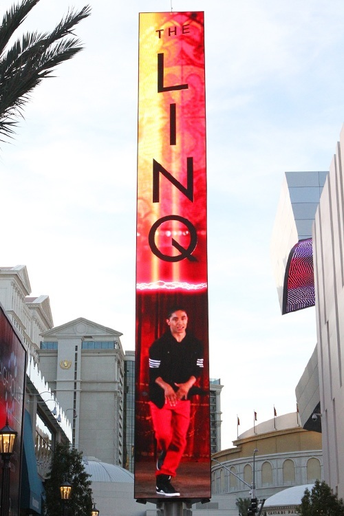 Linq marquee