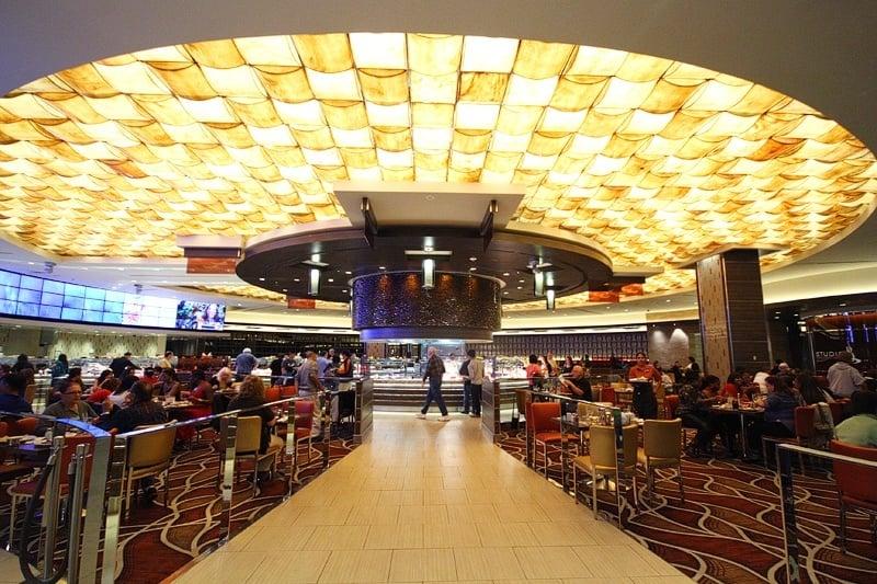 M Resort buffet