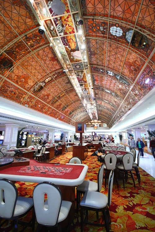 Vegas Tropicana