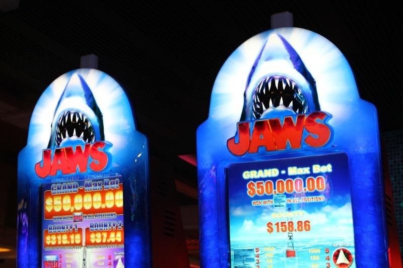 Jaws slot machine