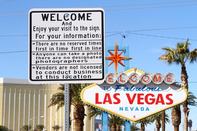 Las Vegas sign scam