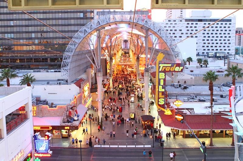 Vegas zipline